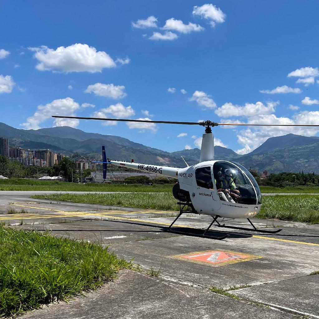 Volar-academia-helicopteros_0004_IMG_7215