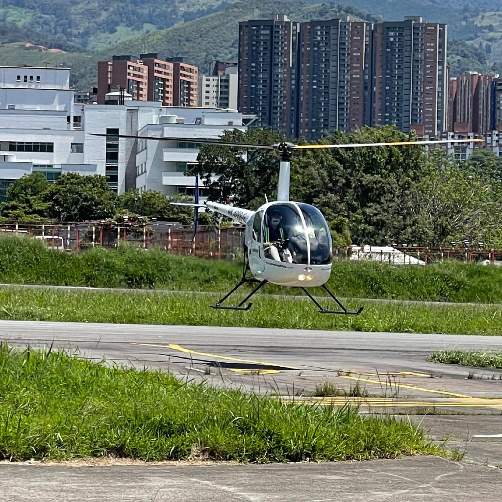 Volar-academia-helicopteros_0007_IMG_7212