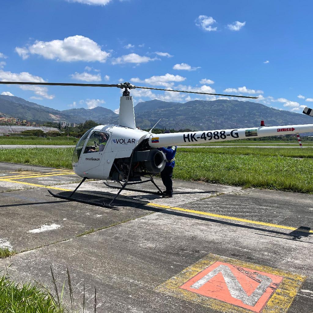 Volar-academia-helicopteros_0009_IMG_7204