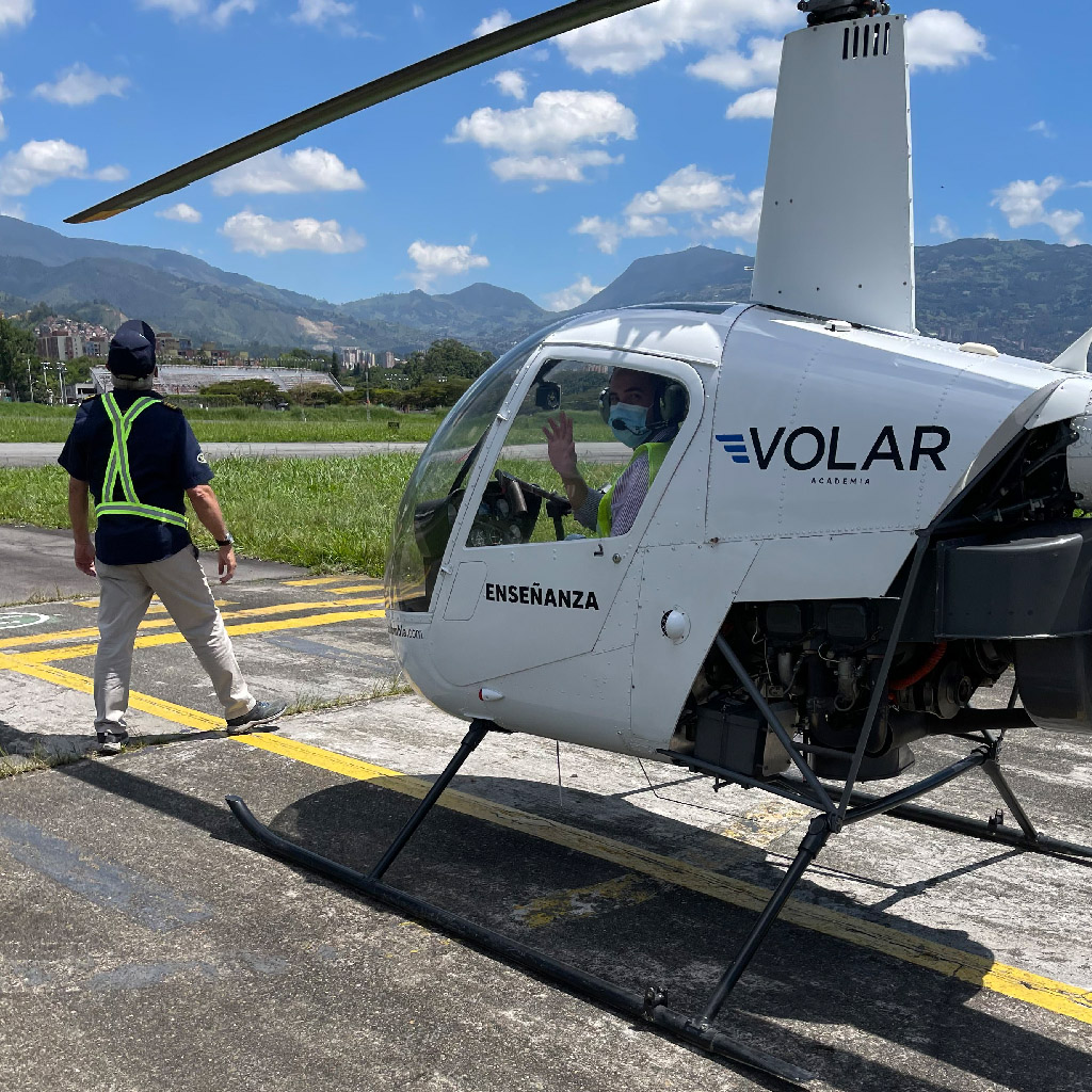 Volar-academia-helicopteros_0011_IMG_7202