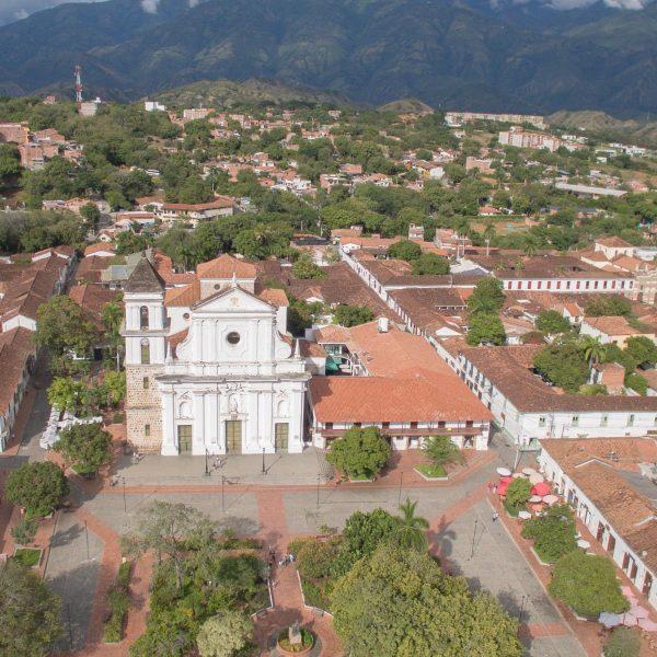 Santa-Fe-Sobrevuelo-Tour-Volar-Colombia-Miniatura